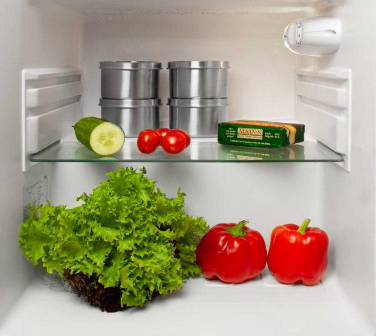 Edelstahldosen als Vorratsdose im Kühlschrank