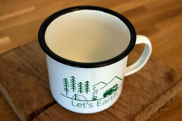 Emaille Tasse Camping Nahaufnahme