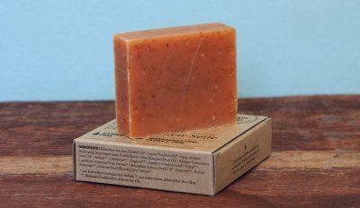 Umweltfreundliche Seife mit Zimt und Orangen Geruch