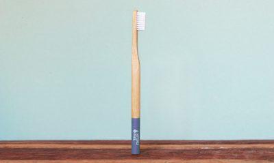 Runde Bambus Zahnbürste in blau